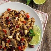 riso basmati con anacardi, funghi, fagioli e peperoni